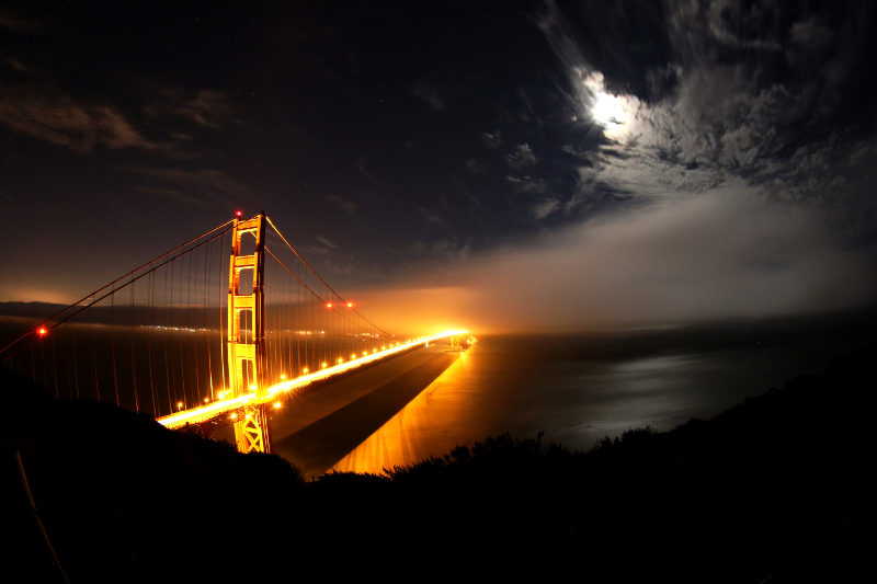 Golden-Gate-Bridge-fog-Fisheye