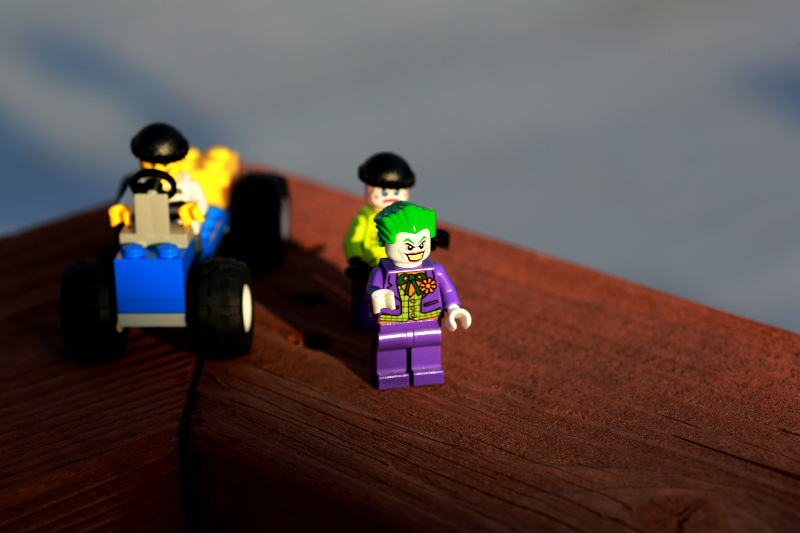 Lego-TheJoker-and-friends-800x533