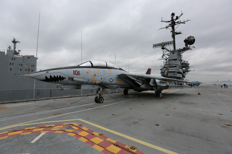 F14 Tomcat at the USS Hornet CVS 12