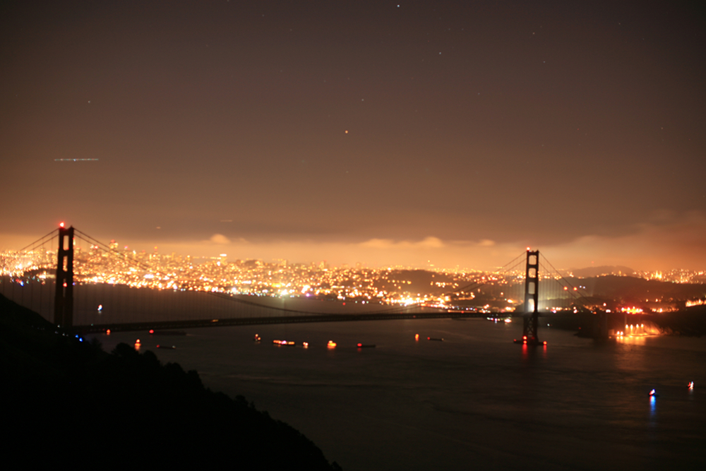 Golden Gate Bridge without trafic and all lights are out!